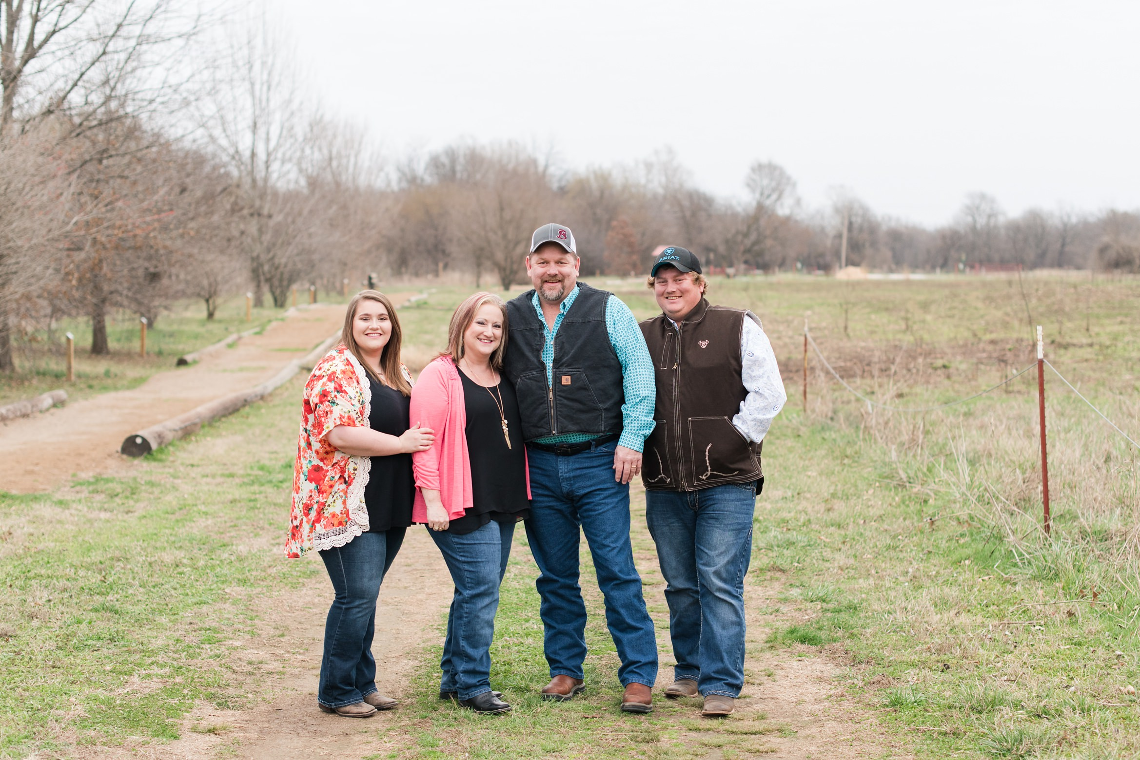 Simmons Family Photos at Eagle Watch Nature Trail in Gentry, AR